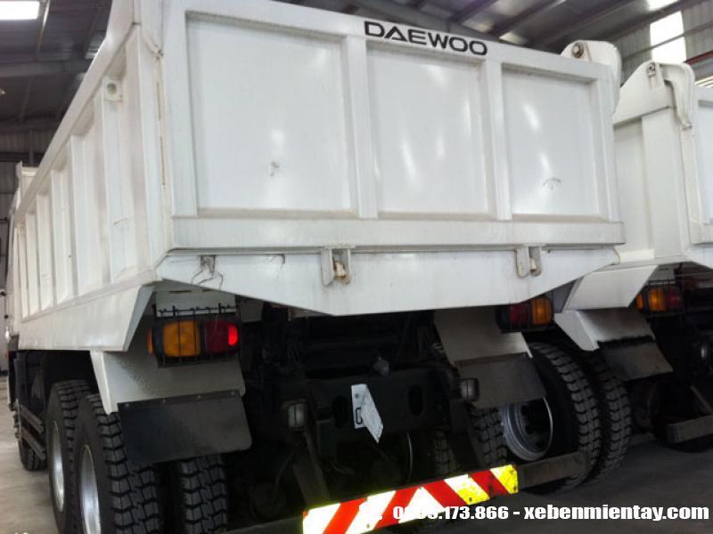 Xe ben Daewoo 3 chân 15 tấn K4DEF