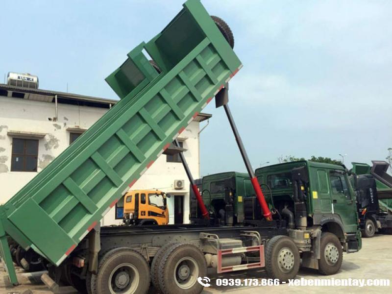 Xe ben Howo 4 chân 17 tấn thùng vuông nhíp 10 lá